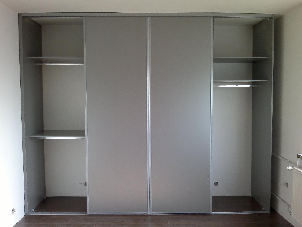 vonkajsi-korpus-vstavanej-skrine-drevodekor-hlinnik